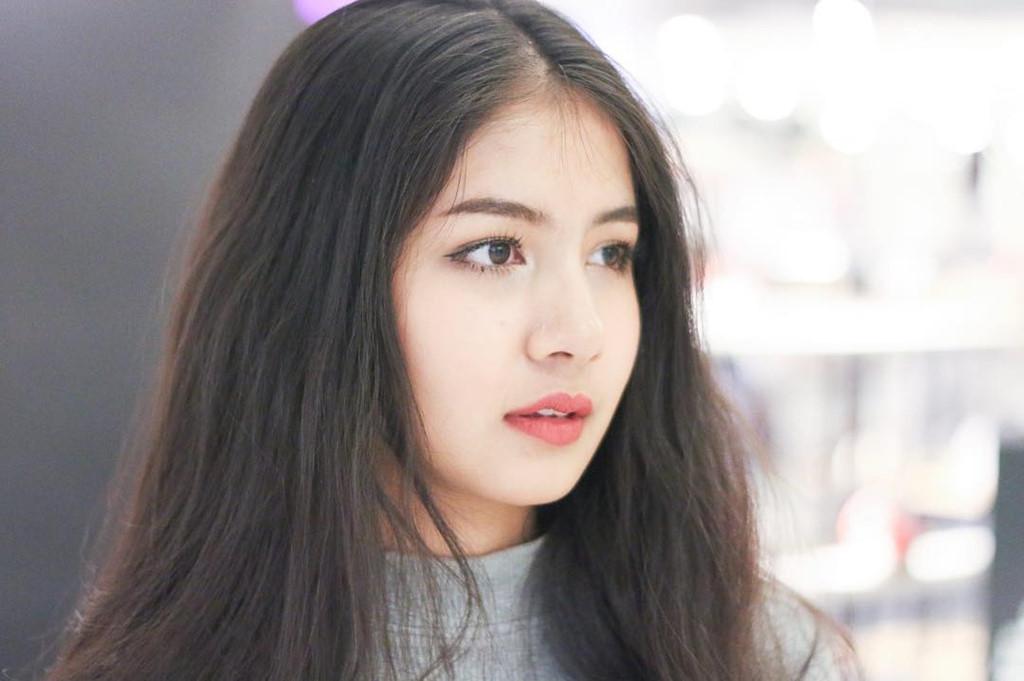 cac-kieu-long-may-dep-phai-ke-den-dang-long-may-ngang-cua-cac-hotgirl-Thai